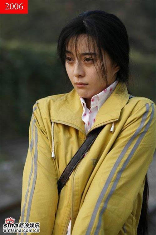 Năm 2006, Phạm Băng Băng tham gia Lạc lối ở Bắc Kinh với vô số cảnh nóng bỏng. Vì bộ phim này, người đẹp nhận nhiều chỉ trích, song cũng nhờ vậy tên tuổi của cô nhanh chóng trở nên phổ biến.