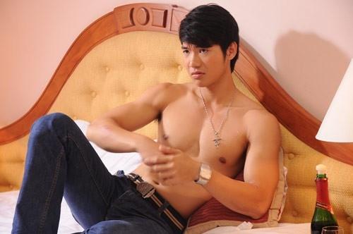 Trương Nam Thành vai Phong trong bộ phim về đề tài đồng tính nam mang tên Cảm hứng hoàn hảo.