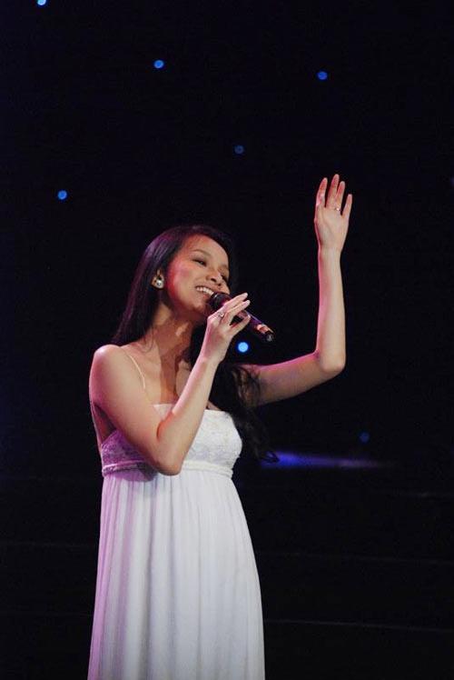 Với hình ảnh này ít ai có thể tin rằng Hoa hậu Thùy Lâm đang mang thai ở tháng thứ 5.
