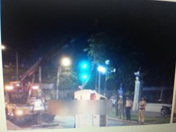 Hình ảnh tai nạn lật xe của siêu mẫu Hoàng Yến đang được cư dân mạng chia sẻ - Tin sao Viet - Tin tuc sao Viet - Scandal sao Viet - Tin tuc cua Sao - Tin cua Sao