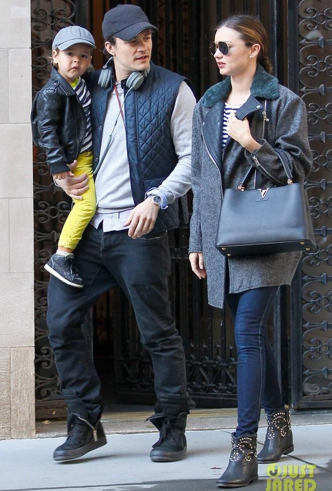 Miranda Kerr và Orlando Bloom ngày 28/10.Cặp đôi trông vẫn như một gia đình hạnh phúc.