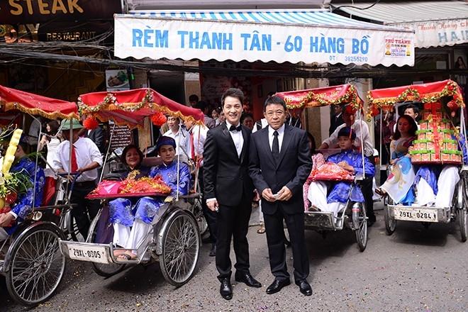 Hai nhà không cách nhau quá xa nên Đăng Khôi đã đề xuất sử dụng xích lô để đi ăn hỏi thay vì đi xế sang - Tin sao Viet - Tin tuc sao Viet - Scandal sao Viet - Tin tuc cua Sao - Tin cua Sao
