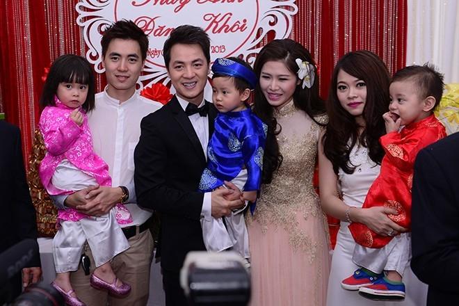 Hai đôi vợ chồng hạnh phúc với những đứa con kháu khỉnh - Tin sao Viet - Tin tuc sao Viet - Scandal sao Viet - Tin tuc cua Sao - Tin cua Sao