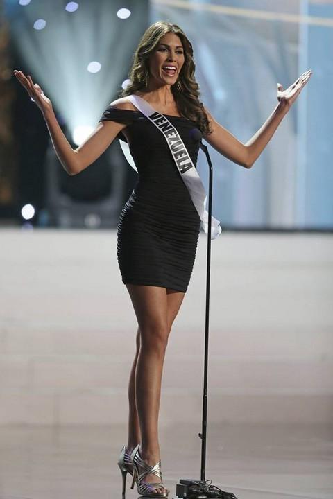 Hoa hậu Venezuela gây bất ngờ với khả năng trình diễn