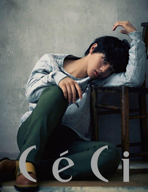 """""""Nhóc"""" Yeo Jin Goo lại thống trị tạp chí thời trang Hàn"""