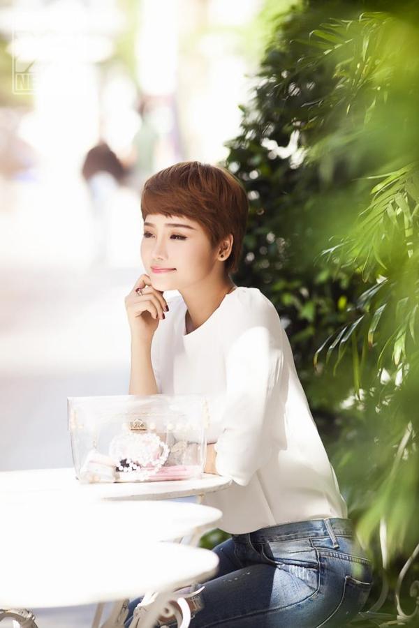 Miu Lê được công chúng biết đến đầu tiên khi cô tham gia đóng trong bộ phim Những thiên thần áo trắng, và nghệ danh Miu Lê được ghép từ vai diễn July Miu và họ của cô.