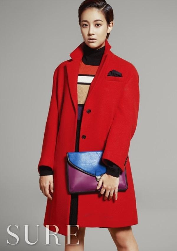 Diện menswear đa sắc màu ngày đông cùng Oh Yeon Seo