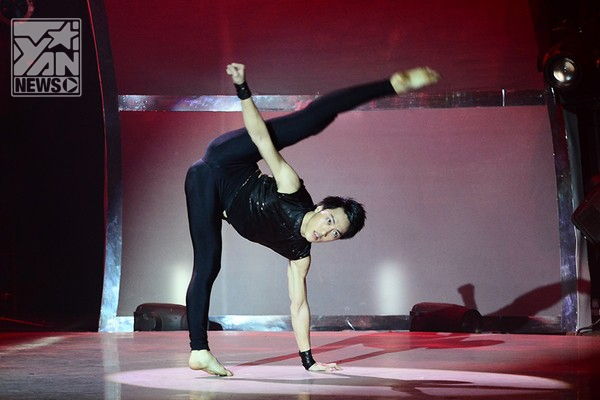 Đình Lộc lại hóa thân hoang dại đầy mê hoặc trong bài nhảy 30s của mình.