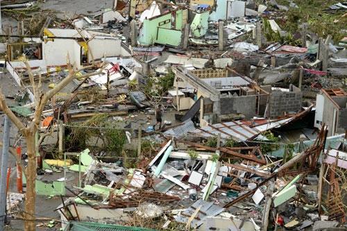 Cảm động Việt Nam - Philippines nén đau thương tương trợ lẫn nhau trong siêu bão
