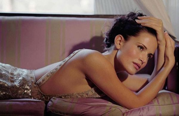 Siêu mẫu nổi tiếng một thời Sophie Anderton đã có những tiết lộ rúng động.
