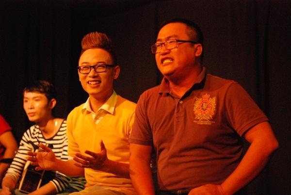 Trúc Nhânđã có màn song ca với khán giả ca khúc Đông – ca khúc hit của Trúc Nhân trong thời gian gần đây