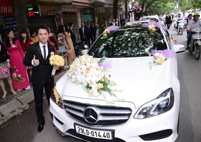 Đăng Khôi có mặt tại nhà cô dâu Thủy Anh sớm hơn so với giờ dự kiến... - Tin sao Viet - Tin tuc sao Viet - Scandal sao Viet - Tin tuc cua Sao - Tin cua Sao