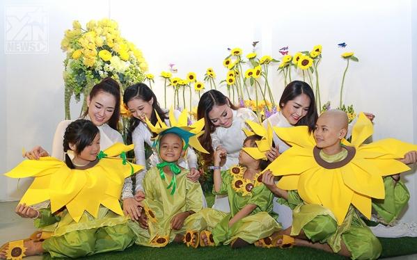 Á hậu Châu Mộng Như diễn thời trang cùng các bệnh nhi ung bướu