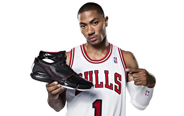 Ngôi sao bóng rổ Derrick Rose giới thiệu dòng giày D Rose 4 mới