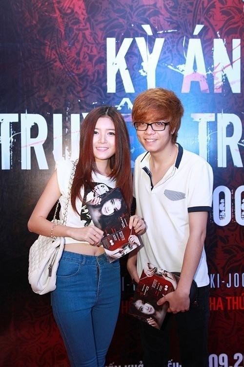 Bùi Anh Tuấn từng tháp tùng bạn gái Lily Luta trong các sự kiện giải trí.