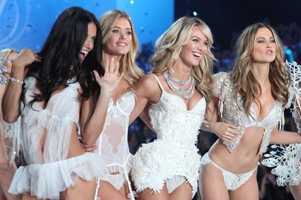 Nụ hôn từ các thiên thần của Victoria's Secret