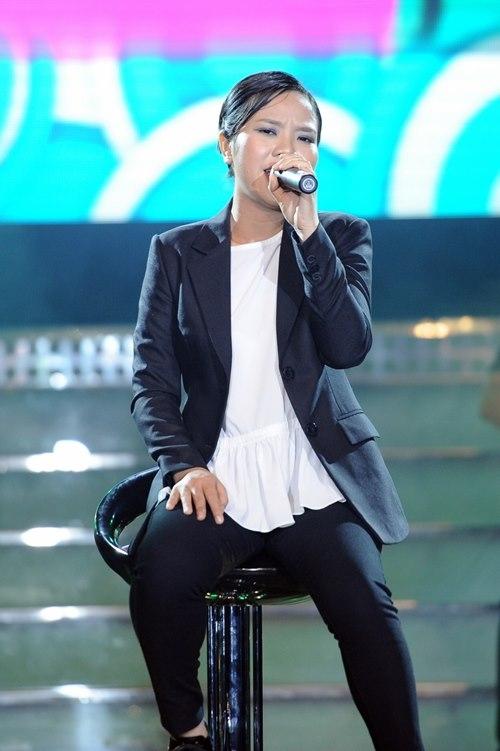 Nữ ca sỹ Ngân Bình tiếp tục phát huy khả năng hát tiếng Anh của mình với ca khúc nổi tiếng Thank You của Dido