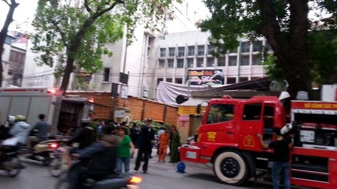 Bar ở Zone 9 bất ngờ bốc cháy nghi ngút