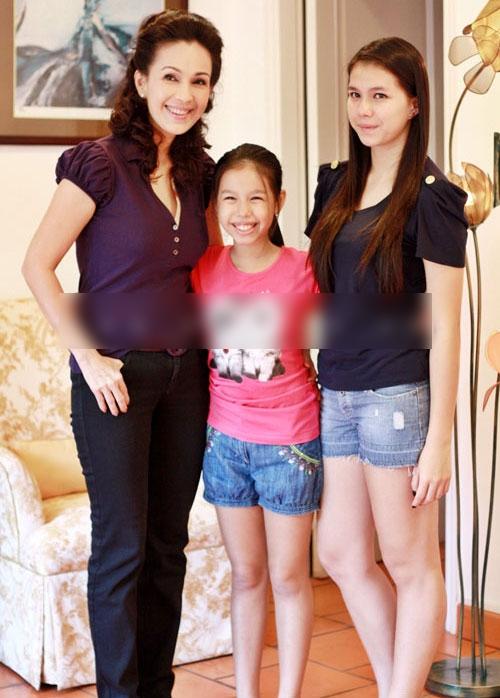 Diễm My 6X bên hai công chúa - Tin sao Viet - Tin tuc sao Viet - Scandal sao Viet - Tin tuc cua Sao - Tin cua Sao