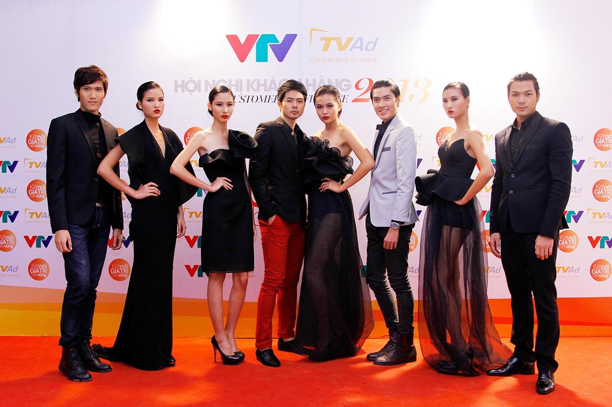 Top 8 thí sinh xuất sắc của cuộc thi Người mẫu Việt Nam 2013