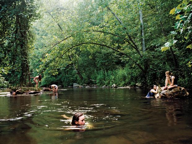 Choáng ngợp 10 bể bơi tự nhiêu siêu sạch khó tưởng