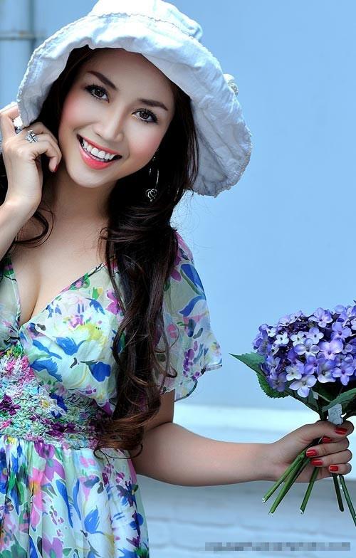 Diễn viên/MC Ốc Thanh Vân.