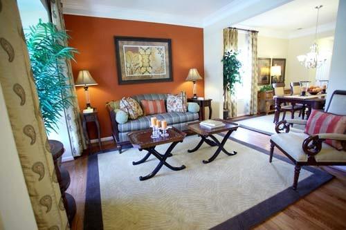 Phòng khách ấm áp, dễ thương với những đồ nội thất nhỏ gọn.