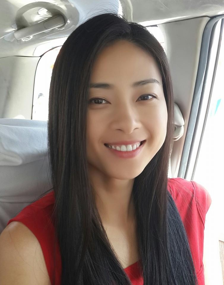 """Ngô Thanh Vân khoe mặt mộc nhưng vẫn xinh đẹp."""" Đả nữ"""" đang gấp rút luyện tập cho một chương trình hoành tráng của cô để tạo thêm không khí sôi động mùa Noel 2013."""