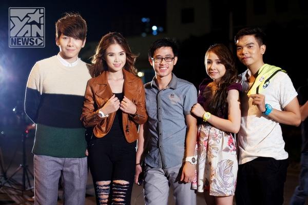 """Khởi My đã """"kêu gọi"""" thêm sự ủng hộ của những ca sĩ khác góp mặt trong MV mới của mình. - Tin sao Viet - Tin tuc sao Viet - Scandal sao Viet - Tin tuc cua Sao - Tin cua Sao"""