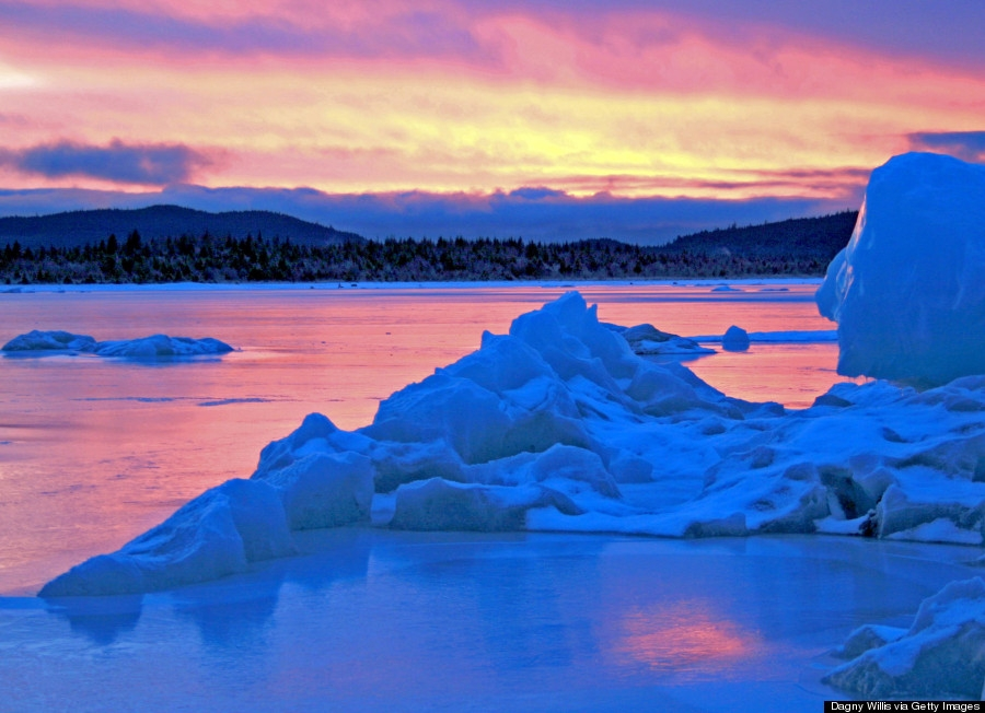 Những hang động băng diễm lệ cần khám phá trước khi chúng tan chảy