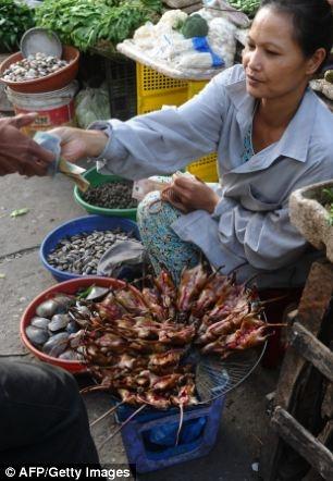 """Thịt chuột đồng - Món ăn """"kinh dị"""" của người Việt"""