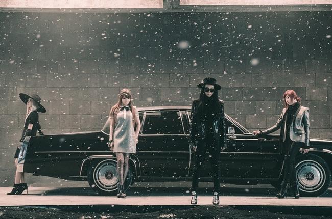 2NE1 đang quảng bá cho ca khúc Missing You