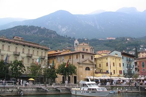 15 thị trấn nhỏ xinh đẹp bạn nên đến thăm tại Italy