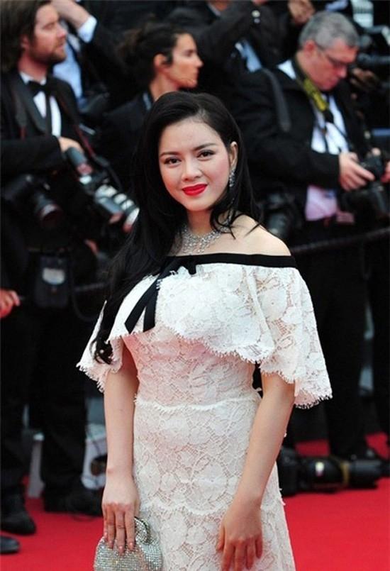 Chiếc váy Chanel 2 tỷ đồng gây xôn xao khi cô tham dự tại LHP Cannes 2013. - Tin sao Viet - Tin tuc sao Viet - Scandal sao Viet - Tin tuc cua Sao - Tin cua Sao