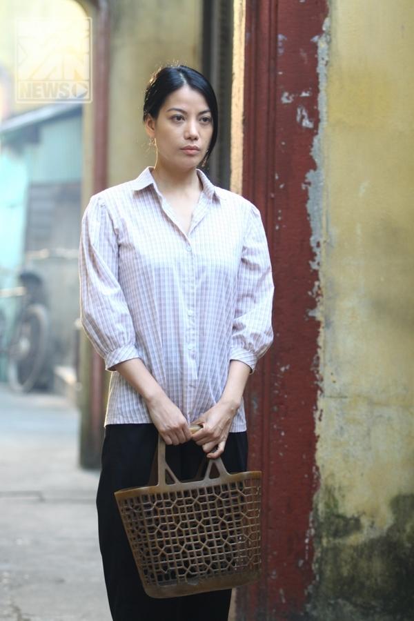 Trong phim Hương ga, Trương Ngọc Ánh vào vai một cô gái bán nhang ở ga Nam Định - Tin sao Viet - Tin tuc sao Viet - Scandal sao Viet - Tin tuc cua Sao - Tin cua Sao
