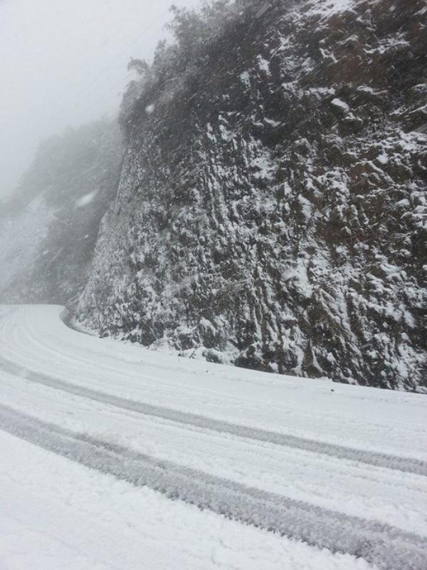 """Thú vị ảnh tuyết rơi """"trắng"""" núi ở Sapa"""
