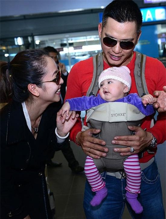 Hình ảnh rõ nét đầu tiên của cô công chúa nhà Jennifer ngày trở về Việt Nam.
