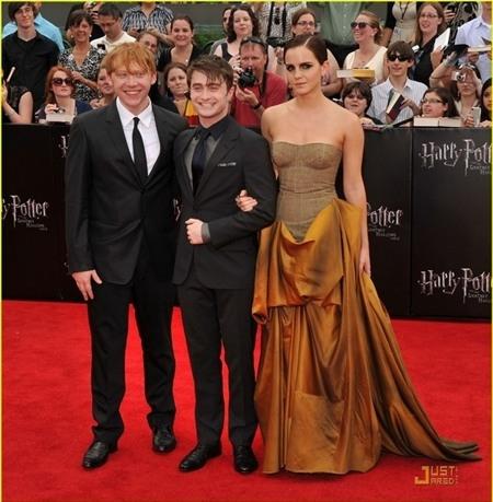 Bộ ba nhân vật chính của Harry Potter khi trưởng thành.