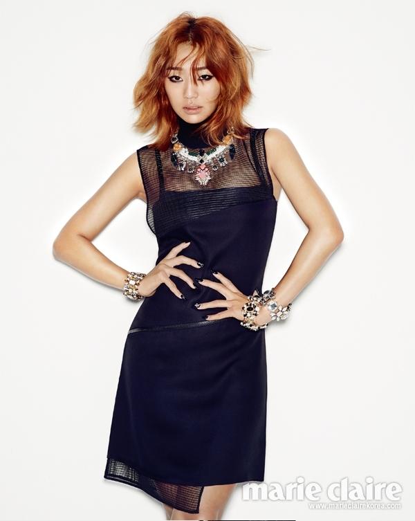 Hyorin (4Minute) nóng bỏng với trang phục dạ tiệc cuốn hút