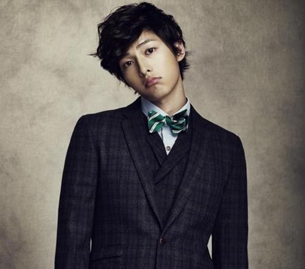 """Khi nhắc đến mỹ nam thì không thể thiếu chàng """"Sói"""" Song Joong Ki."""
