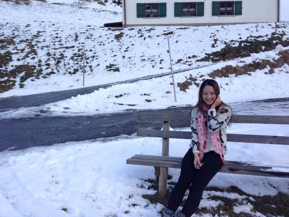 Dù không được tươi tắn khi chưa trang điểm nhưng Lan Phương vẫn khá tự tin và chăm chỉ chia sẻ ảnh không son phấn.
