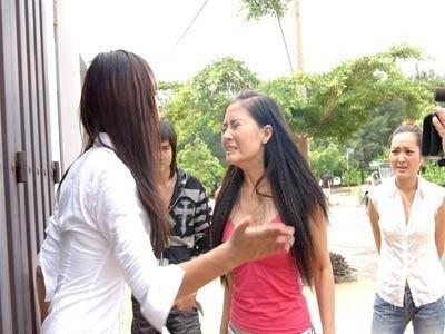 Muôn kiểu dằn mặt nhau của mỹ nhân Việt