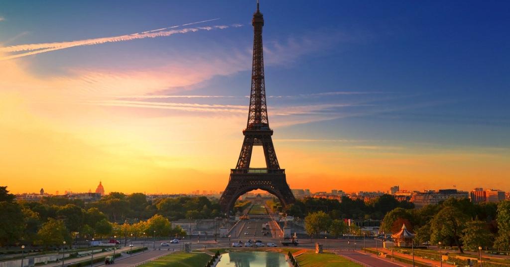 Khám phá căm hộ bí ẩn trên đỉnh tháp Eiffel