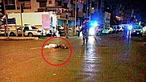 Bức ảnh được cho là phần thi thể người rơi từ một máy bay xuống đường phố Jeddah. Ảnh: RT