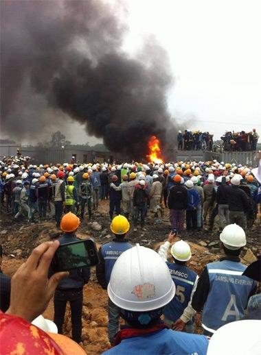 Container nhà ở của bảo vệ bị công nhân, người dân đốt cháy. Ảnh: Facebook Thái Nguyên City.