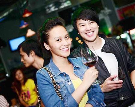 Bên cạnh đó, Huệ Vân cũng hỗ trợ Thanh Bùi quản lý trường dạy nhạc của anh ở TP.HCM. Nhiều người cho rằng HLV The Voice Kids may mắn khi chiếm trọn trái tim của tiểu thư Trương gia tộc.