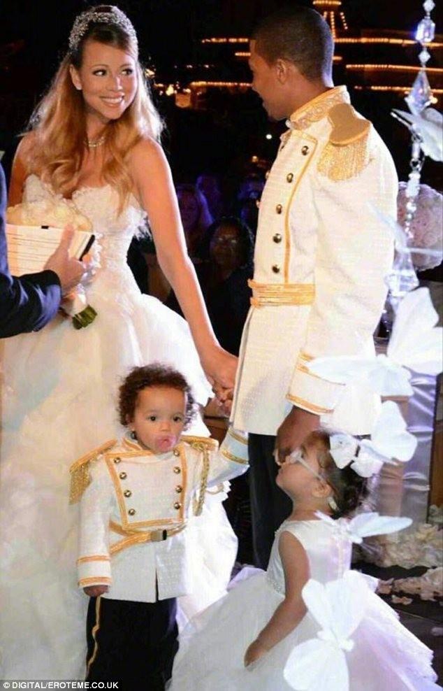 Buổi tiệc cưới lại của vợ chồng Mariah có sự tham gia của cặp song sinh Moroccan – Monroe.