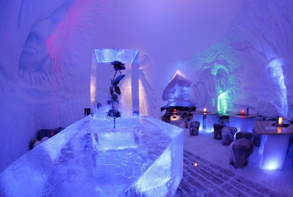 Địa điểm du lịch tết độc đáo: Làng Igloo lạnh giá