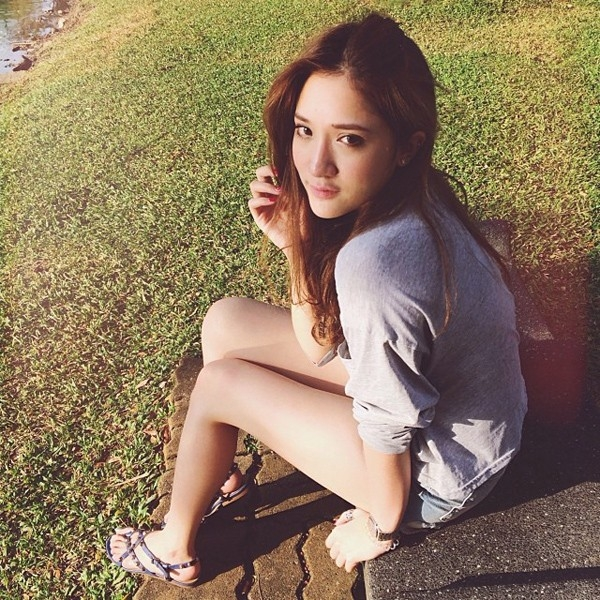 Hiện tại Nichabul đang theo học ngành Kinh tế tại ĐH Chulalongkorn.