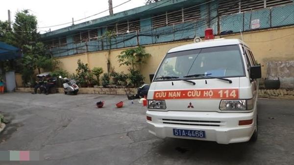 Cảnh sát PCCC quận 11 đã được huy động xuống hiện trường. Tuy nhiên, sau 30 phút dập lửa, lực lượng chức năng phát hiện ít nhất 4 người đã thiệt mạng do ngạt khói. 1 thi thể đã được đưa ra ngoài.
